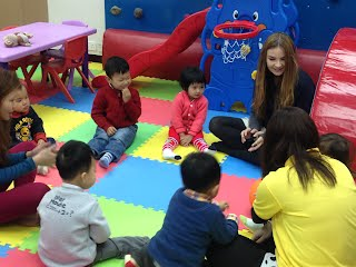 Circle Time with Rachel at Fun Kids Castle AEW a leading Education Centre in Tuen Mun, Hong Kong