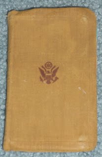 US Army WWII Bibles (Reference) P1000933