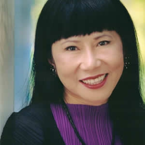 amy tan asian american writers mother tongue