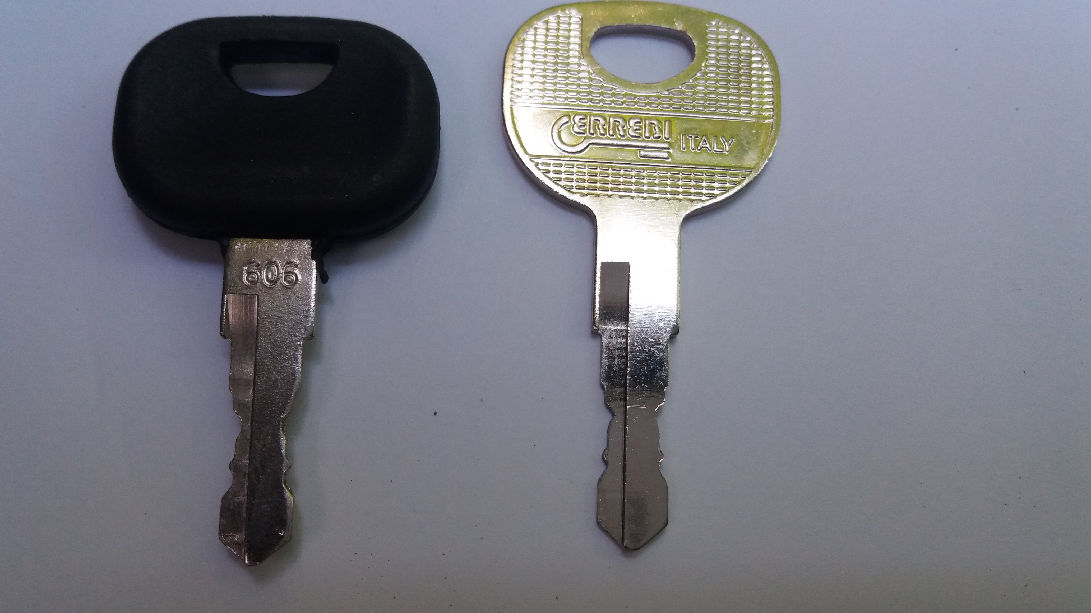 Lucas Type  Keys  For  Dumpers  Tractors Common Type Fits Most Etc