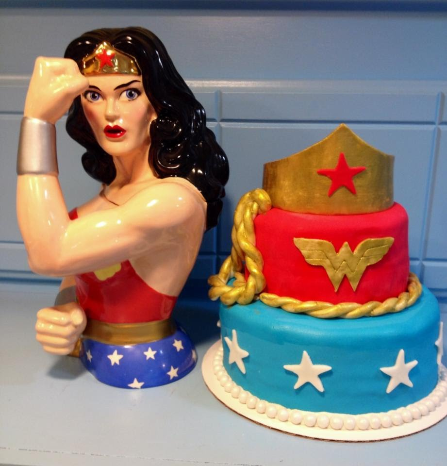 wonder woman wedding cake cakes carylsconfections 27587