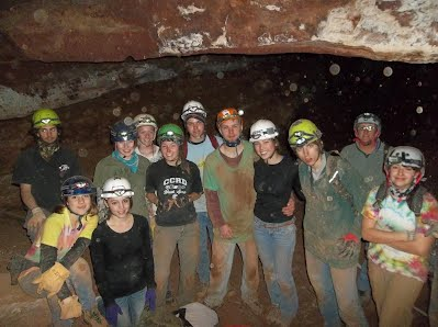 CCHS caving club in Swirling Mist cave