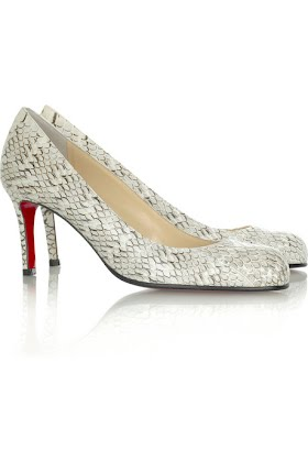 Christian%20Louboutin%20Simple%20Pump%2070%20qc823%20%283%29.jpg?height=420&width=282