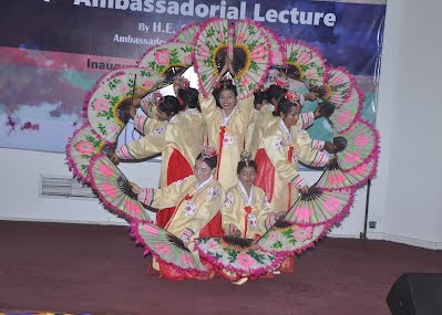 JNU students performing Korean Fan Dance