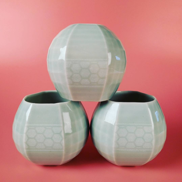 3 stemless lobbed wine glasses