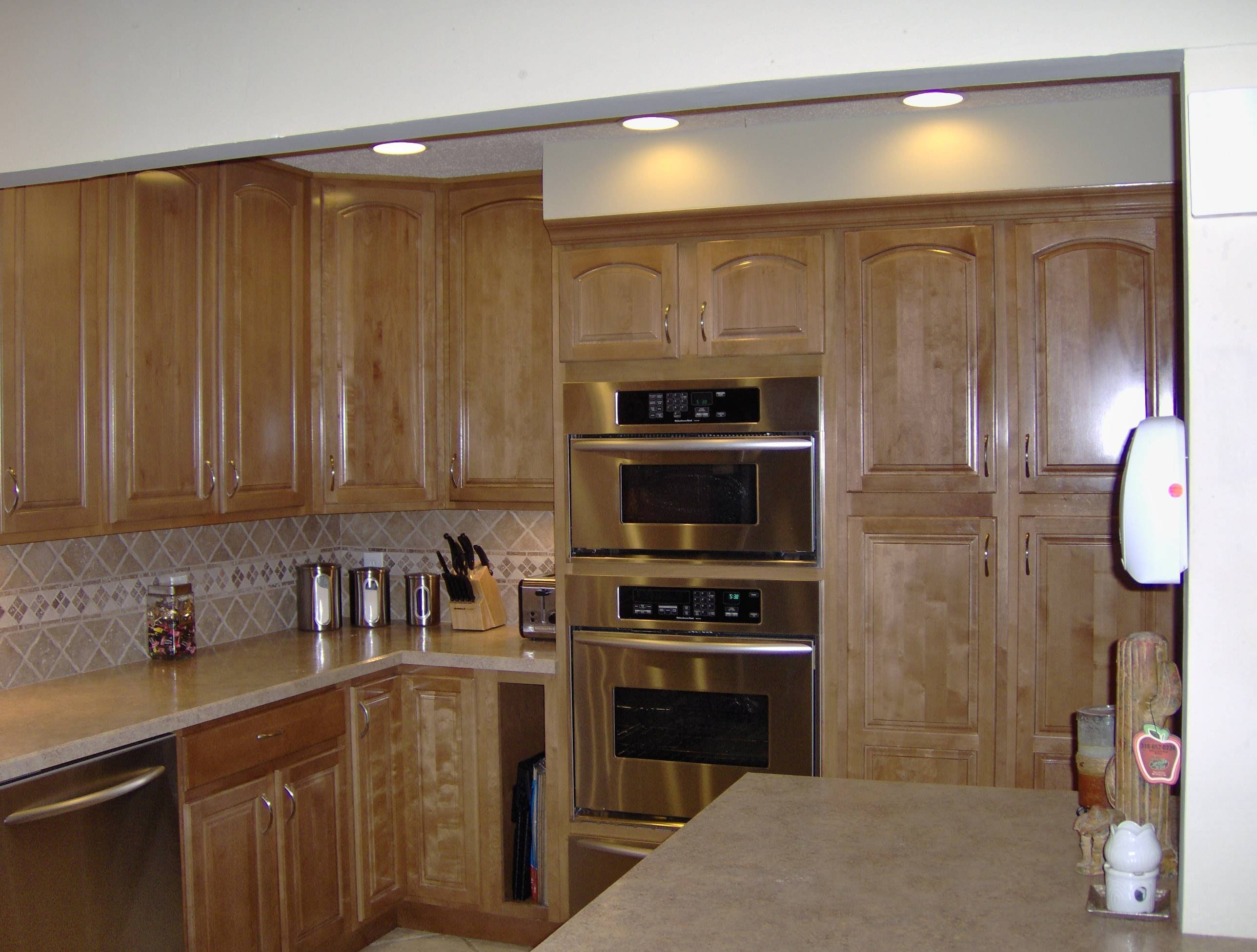 Kitchencabinetsphotogallerry customwoodcraftinfo for Custom kitchen remodeling