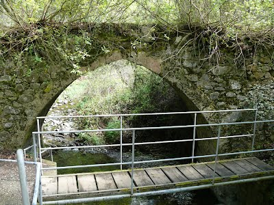 Medieval bridge near Xyliatos