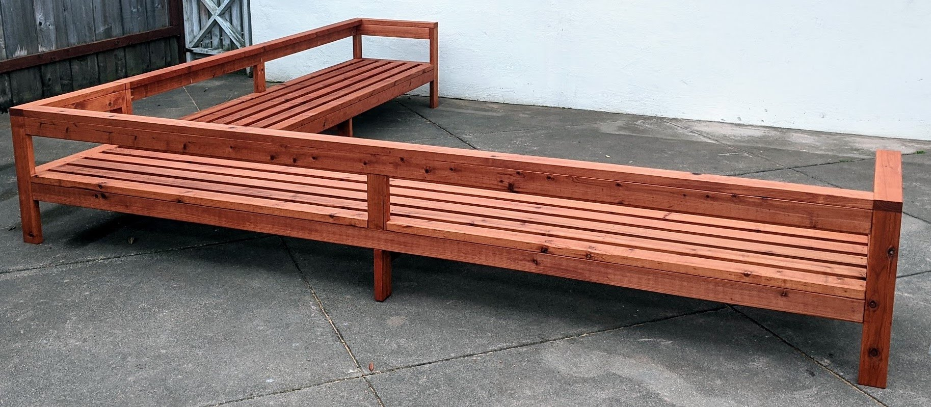 2x4 outdoor furniture