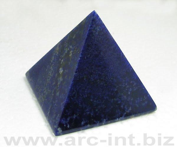 lapis lazuli piramida