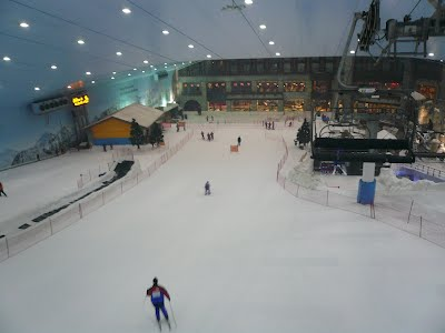 Ski Dubai Is Located In The Mall Of Emirates One Major Shopping Centers From Outside You Can Easily See Huge Shape