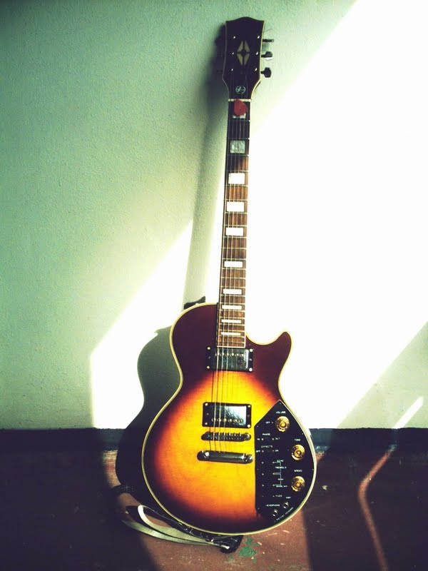 Kay Guitar Front