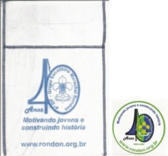 Sacola de lixo e imã dos 40 anos do Grupo Escoteiro Marechal Rondon