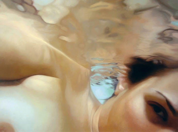 hyper realistic painting of a girl underwater by artist alyssa monks