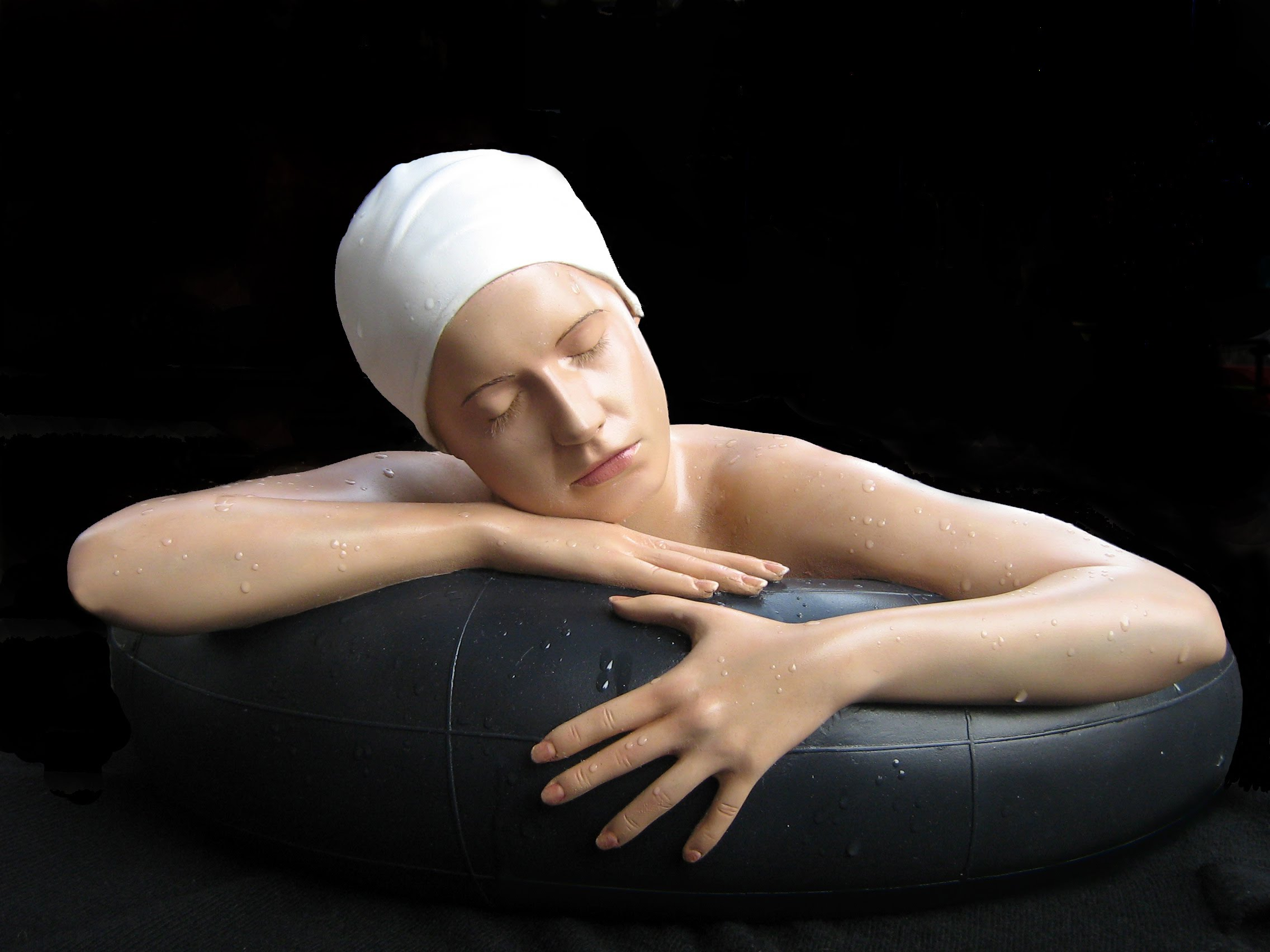 relistic sculpture by carole feuerman