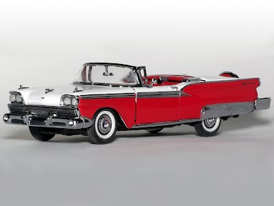 1959 Ford Fairlane Skyliner Convertible - Franklin Mint 1/43