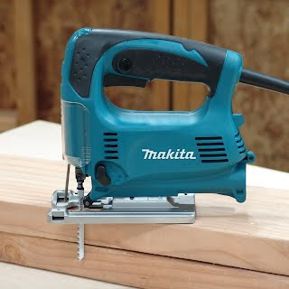 Makita 4329k jig saw review fundamentals of woodwork an ergonomically designed the rubberized grip offers a larger trigger with lock on button the lock can be set with the thumb while holding the saw greentooth Image collections