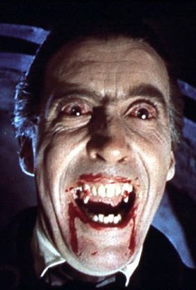 Christopher Lee protagonizó al vampiro en siete películas