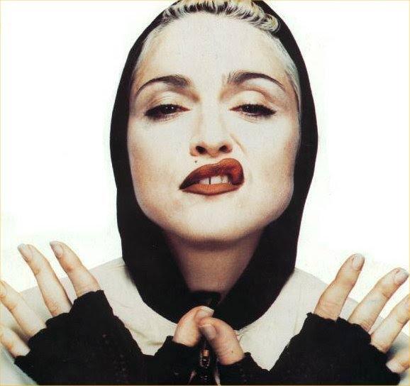 Madonna y un gesto típico