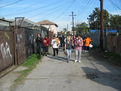 Image of students walking--linked to Green Alleys website