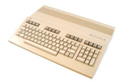 Picture of original ('flat') Commodore 128 computer