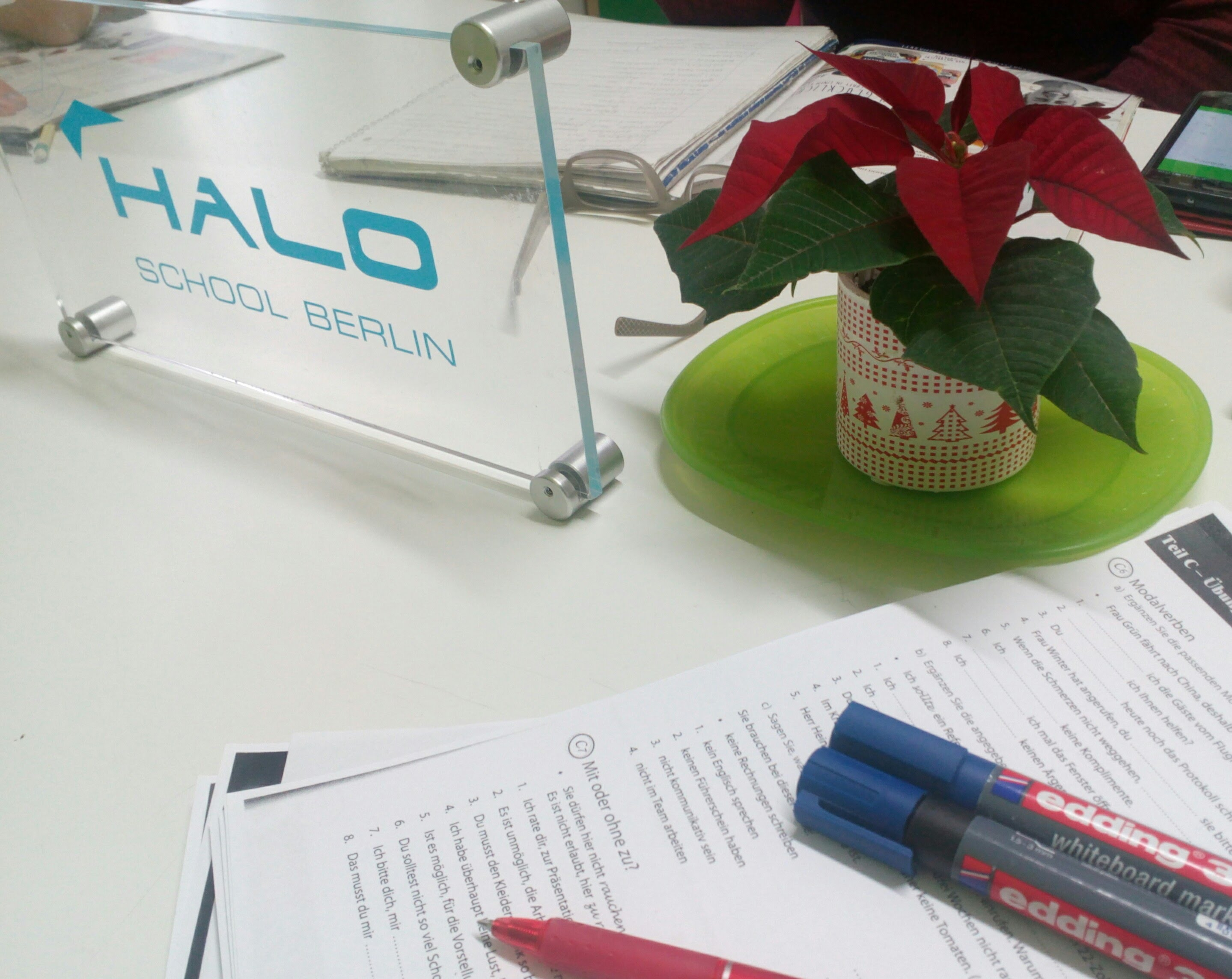 HALO - German Language Courses - Berlin Charlottenburg Wilmersdorf  HALO SCHOOL in Berlin Charlottenburg Wilmersdorf. German language courses in A1, A2, B2, B2, C1, C2 levels, examen preparations for Telc, DaF & Goethe certificates. Tailor-made language individual classes for business, university and work in Germany