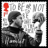 "zoey does hamlet slowly descend into true insanity is hamlet s  lowell argues that hamlet "" he drifts into madness through the whole tragedy"