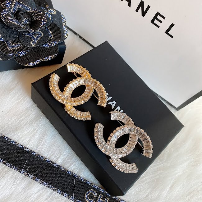 chanel brooch dupe
