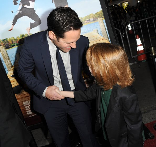"IAN PATRICK AND PAUL RUDD SHAKING HANDS AT THE ""WANDERLUST"" PREMIERE"