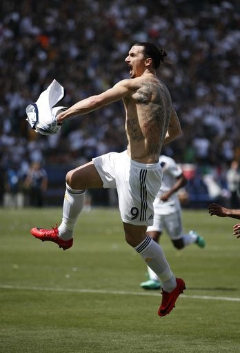 official photos 3e24a 079ec Ibrahimovic leads Galaxy rally past LAFC in MLS debut