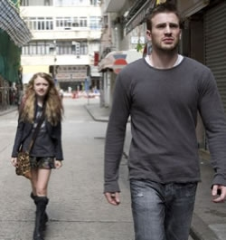 Nick Grant(Chris Evans) tries to get away from Casie Holmes(Dakota Fanning) in the action sci-fi Push