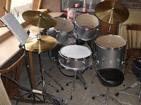 example photo of silver student model drums