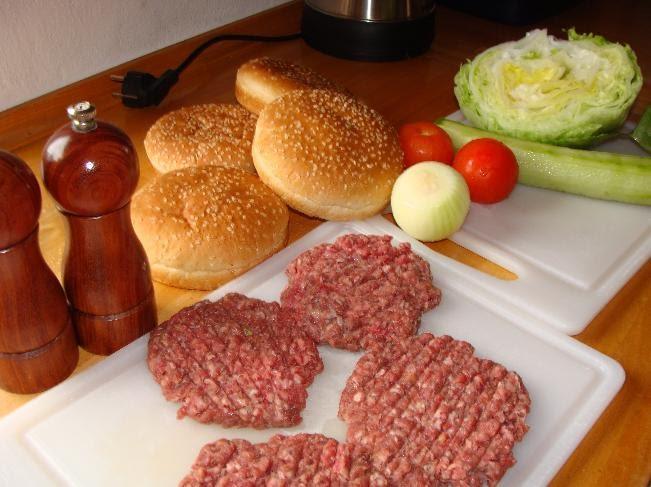 ครัวอิสานอินเตอร์...หมกหน่อไม้, เมี่ยงไก่นึ่งตะไคร้, เบอร์เกอ(Burger)