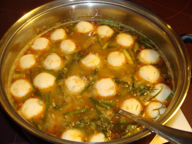ซุปเห็ดกระด้างอ่อน++ขนมจีนน้ำยาป่า