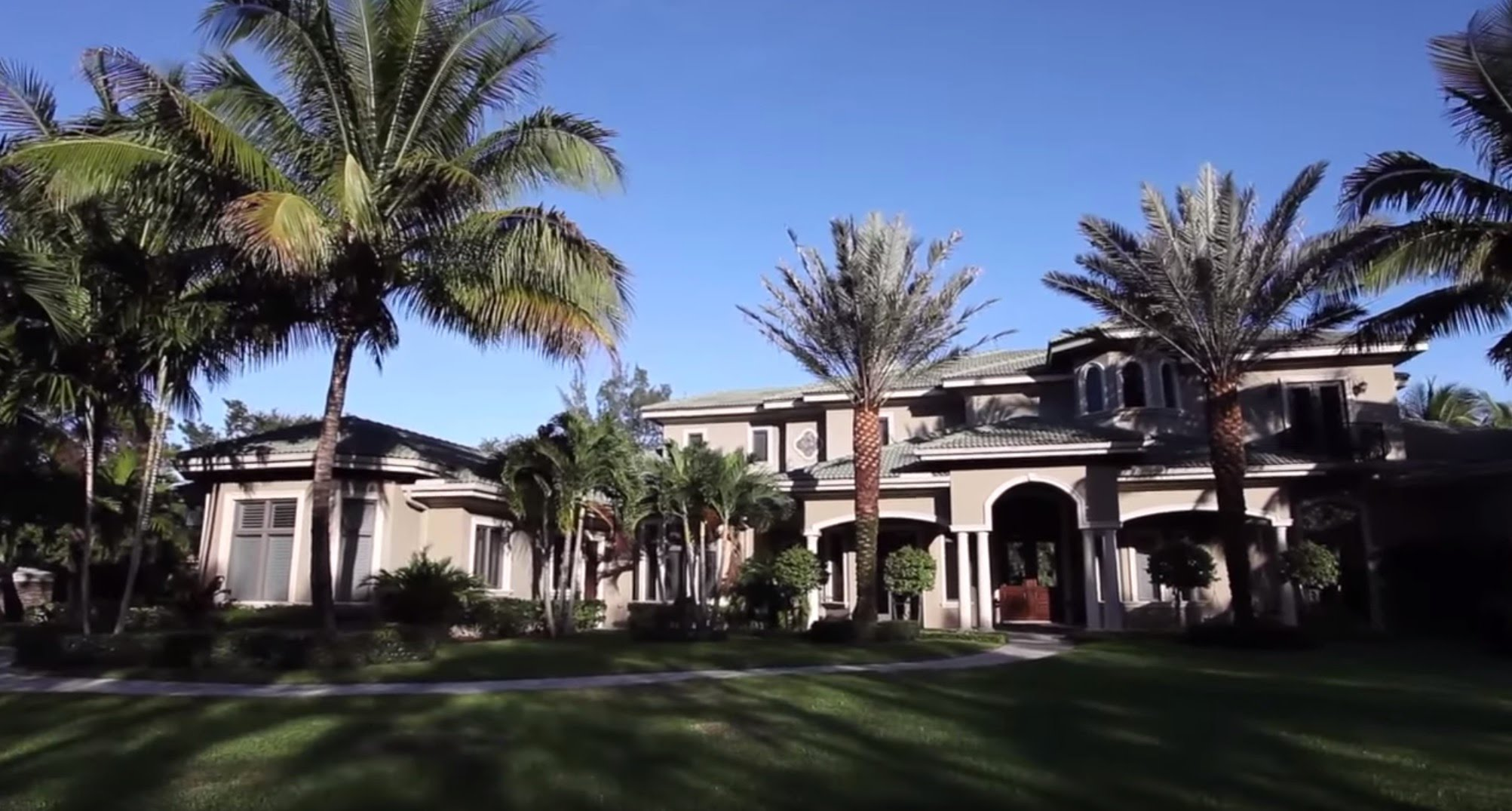 PGA National in Palm Beach Gardens real estate