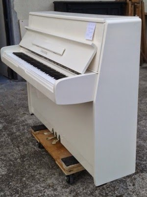 piano d'occasion blanc choiseuld, a louer