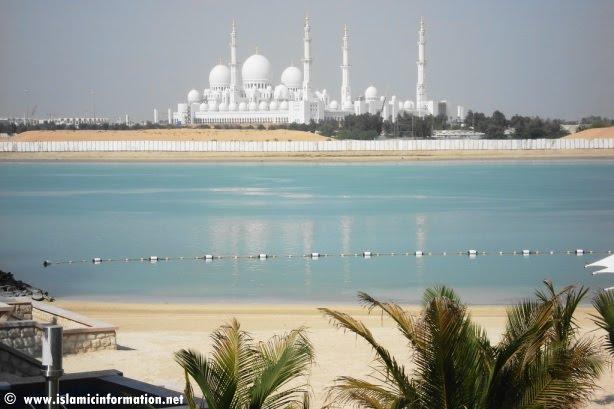 http://lukman3k.googlepages.com/sheikh_zayed_grand_mosque_01.jpg