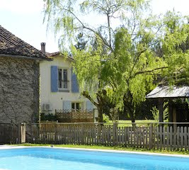 Le Grenier French cottage with pool