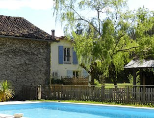 Family house to rent SW France with pool