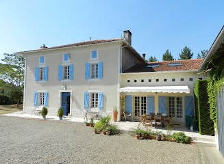 Family-friendly villa with pool to rent in SW France