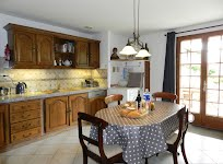 Maison Pyron well-equipped kitchen
