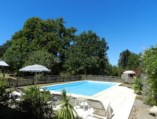 Family-friendly villa with heated pool in SW France