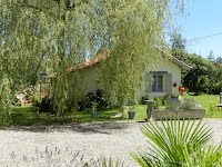 Gite for two SW France with pool