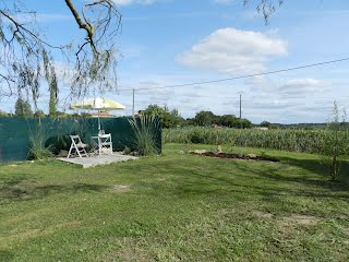 Gite for two people SW France with pool