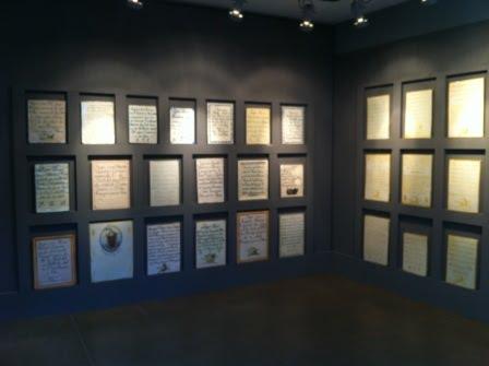 Exposición de lápidas cerámicas