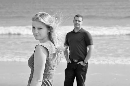 Engagement pictures session only $299