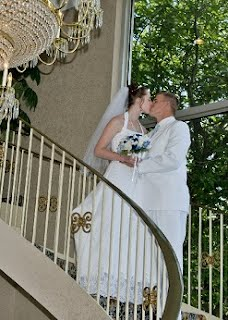 romantic wedding pictures included in every wedding photo package