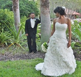 awesome poses in our wedding photo packages