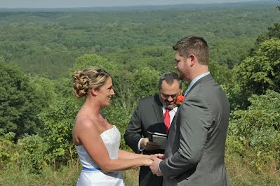 beautiful wedding pictures in every wedding photo package