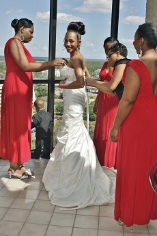 getting ready for your wedding pictures can ne fun and memorable