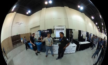 Joe Ayers and Joe Lopez at the AREDN/ocmesh.org booth at SCALE -114 in Pasadena.